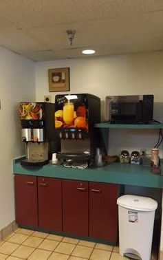 nisswa-inn-suites-breakfast-room-1