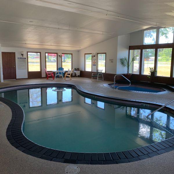 nisswa-inn-hotel-pool-1